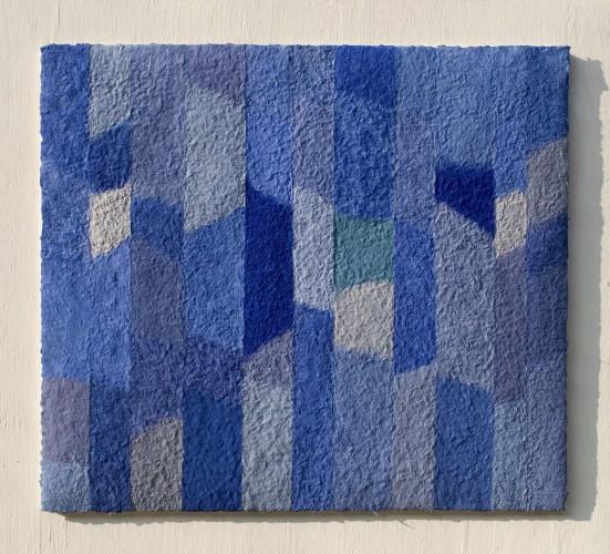 Lapislazuli Azurit ist ein Werk von Helmut Dirnaichner aus dem Jahr 2006, mit Lapislazuli, Azurit, Kobalt, Zellulose geschöpft.