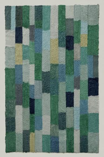 Malachit ist ein Werk von Helmut Dirnaichner aus dem Jahr 2005 mit Mineralien und Zellulose geschöpft.