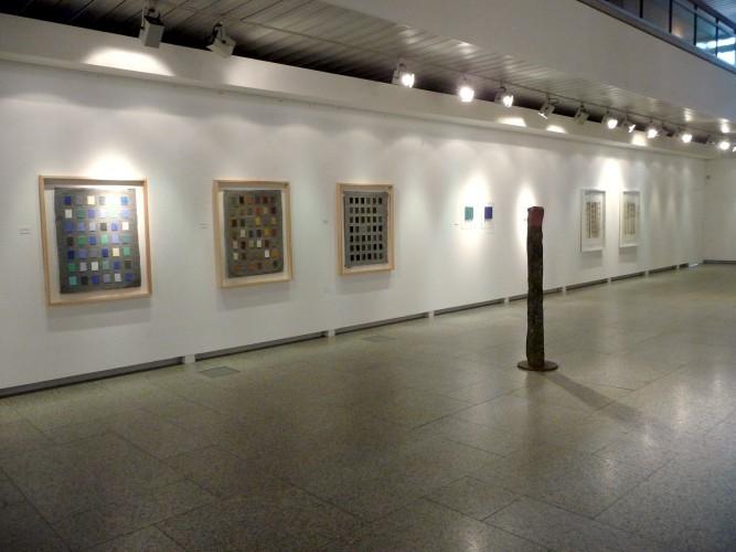 Helmut Dirnaichner zeigt seine Werke 2014in der Ausstellung Elemente Farben Steine in Bayreuth in der Ausstellungshalle Neues Rathaus, Kunstverein Bayreuth e. V.