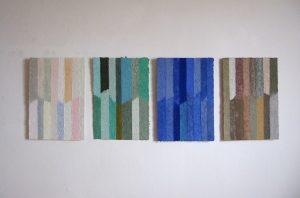 In Helmut Dirnaichners Werken aus dem Jahr 2007 strahlen Farbmaterien wie Kristalle, Malachit, Lapislazuli und Flusskiesel Ruhe und Leichtigkeit aus.