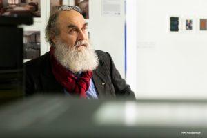 Helmut Dirnaichner bei der Eröffnung der Ausstellung pietracolore am 28. Oktober 2018