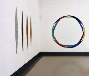 Selce, 1990 und La Ballerina, 1999 sind Werke von Helmut Dirnaichner, in der Ausstellung Farbe im Stein - Schwingung im Metall, Helmut Dirnaichner und Martin Willing, im Museum im Kulturspeicher Würzburg Juni-Juli 2019.